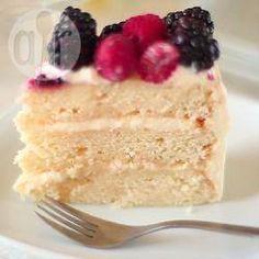 Layer cake à la vanille (gâteau à étages) @ allrecipes.fr Réalisez facilement ce gâteau à trois étages typiquement américain et à l'effet visuel garanti !