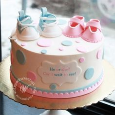 A super cute gender reveal cake with baby shoes and polka dots. Perfect for a Philadelphia gender reveal party. Baby Cakes, Baby Shower Cakes, Tortas Baby Shower Niña, Baby Reveal Cakes, Gateau Baby Shower, Cupcake Cakes, Gender Reveal Cakes, Gender Party, Baby Gender Reveal Party
