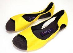 Disponível na cor amarela