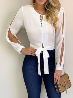 Blouse designs - The awesome fashion jeans Blouse Styles, Blouse Designs, Basic Outfits, Casual Outfits, Mode Jeans, Mode Chic, Jeans Style, Casual Looks, Blouses For Women