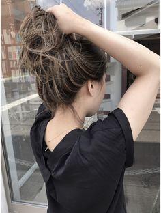 Popular Ideas for hair color highlights peekaboo brunettes Black Hair With Highlights, Hair Color Highlights, Hair Color For Black Hair, Brown Hair Colors, Ombre Hair, Balayage Hair, Dip Dye Hair, Haircuts For Long Hair, Grunge Hair