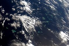 Who needs bread crumbs when you can have a trail of atolls? #HelloEarth