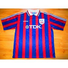 We shared a kit with Bayern Munch this season. We got relegated bet they didn't Crystal Palace Fc, Red And Blue, Photographs, Kit, Sports, Fashion, Bavaria, Hs Sports, Moda