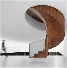 Escada de Isay Weinfeld www.conexaodecor.com