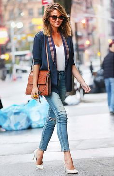 5 Slimming Style Rules Almost Every Celebrity Slimms 5 celebrity style secrets for always looking slim Fashion Mode, Look Fashion, Street Fashion, Girl Fashion, Womens Fashion, Fashion Tips, Fashion Trends, Street Chic, Fashion Story