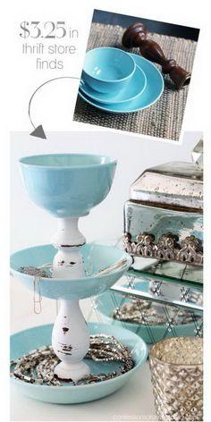 Trendy Diy Jewelry Holder Box Dollar Stores Ideas - Craft World Diy Jewelry Holder, Jewelry Stand, Diy Jewelry Making, Jewelry Tray, Jewelry Hanger, Jewelry Displays, Necklace Holder, Jewelry Dish, Diy Tumblr