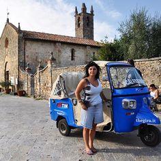 Toccata e fuga a #Monteriggioni per il #calessinoblu! #TheGIRA prosegue veloce come il vento Versilia arriviamoooo!!! #greatcomeback www.thegira.it #TIM4Expo