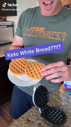 Keto Mug Bread, Keto Pancakes, Low Carb Keto, Low Carb Recipes, Keto Fat, Diet Ketogenik, Waffle Maker Recipes, Comida Keto, Keto Waffle