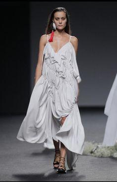Threeeones Moda Madrid, Collection, Editorial, Samsung, Dresses, Breakfast, Fashion, Silk, Walkway