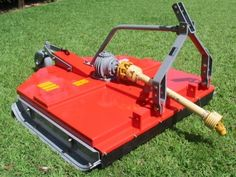 Roçadeiras RD/RDU-1300/1500-1700 - Roçadeira Hidráulica Central e Lateral - Sapatas laterais - Corrente de proteção traseira (RPU) - Engate auxiliar (RPU) - Opcional: roda traseira