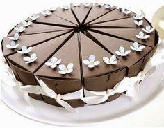 Pastel de cajitas para cumpleaños