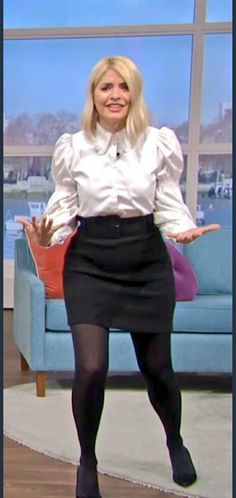 Holly Willoughby Outfits, Colored Tights Outfit, Beautiful Females, Tv Presenters, Blouses, Celebs, Nice Legs, Celebrities, Blouse