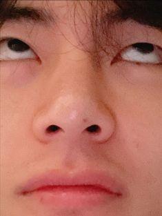 Taehyung Selca, Namjoon, Hoseok, Taehyung Fanart, Bts Jungkook, Daegu, Taekook, Stiefvater, V Bts Cute