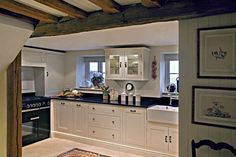 Modern Country Style: Cotswold Cottage House Tour Click through for details. Cottage Kitchens, Home Kitchens, Country Kitchens, Beauty Room Decor, Barn Renovation, Modern Country Style, Cottage Style Homes, Cottage Living, Cozy Cottage