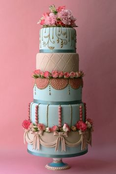 Marie Antoinette wedding   cake