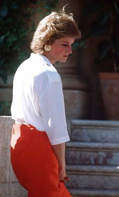 2,394 Princess Diana White Photos and Premium High Res Pictures Princess Diana Images, Princess Of Wales, White Picture, Lady Diana, The Prestige, Lady In Red, Stock Photos, People, How To Wear