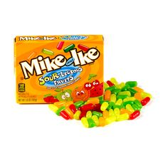Feel the power of sour! Sourlicious Fruits features tangy, sour versions of MIKE AND IKE® cherry, orange, watermelon, green apple and raspberry flavors. Candy Recipes, Gourmet Recipes, Candy Notes, Candy Pictures, Mike And Ike, Online Candy Store, Candy Drinks, Fruit Punch, Candy Wrappers