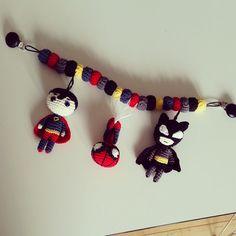 #hækletbarnevognskæde til en kollega ✌ #crochet #hækle #hæklet #instacrochet #virkad #batman #croche - marlenehjoellund