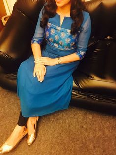 Pinterest: ThePrettiestSoul Salwar Neck Designs, Kurta Neck Design, Dress Neck Designs, Kurta Designs Women, Blouse Designs, Salwar Pattern, Kurta Patterns, Dress Patterns, Indian Fashion Dresses