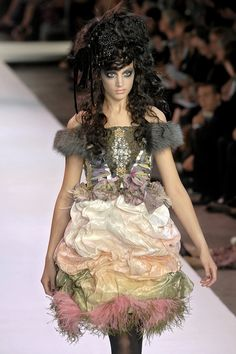 After I have had too much rum!.....     k     .....(Christian Lacroix Haute Couture F/W 2007-08.)