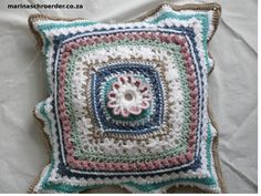 Crochet Stitches, Crochet Hooks, Daisy Petals, Take That, Let It Be, Pull Through, Triangle Shape, Double Crochet, Cushion Covers