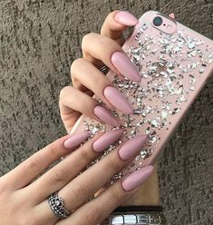 Shared by 𝑀𝒶𝓂𝒾 𝒬𝓊𝑒𝑒𝓃. Find images and videos about pink, beauty and nails on We Heart It - the app to get lost in what you love. Cute Gel Nails, Cute Acrylic Nails, Gel Nail Art Designs, Cute Nail Designs, White Nails, Pink Nails, Gorgeous Nails, Pretty Nails, Mickey Nails