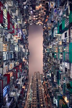 Hong Kong's skyscrapers | Romain Jacquet-Lagreze. words cannot describe my obsession.