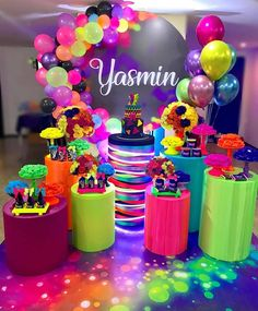 Check beautiful decorating ideas for birthday party, suggestions for topics, tutorials and step by step to plan your! Sleepover Birthday Parties, 18th Birthday Party, Birthday Party For Teens, Neon Birthday Cakes, Teen Parties, Teen Birthday, Neon Party Decorations, Troll Party, Its My Bday