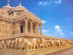 Akshardham Temple, New Delhi, India Another reason to go to India.