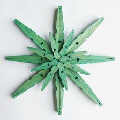 étoile DIY à partir de pinces à linge vertes