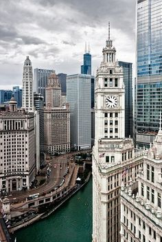 The Wrigley Building on Michigan Avenue and the Chicago River.  Trump tower is the tall building to the right.  The Willis Building (formely Sears Tower) Is the tallest in the USA and appears in the background with the two spires.