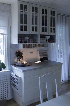 Kök Kitchen Island, Home Decor, Island Kitchen, Homemade Home Decor, Decoration Home, Interior Decorating