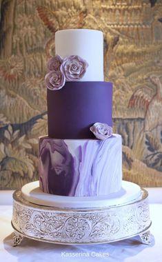 Purple marbelled wedding cake with sugarpaste roses by Sussex based, Kasserina C. cakes purple Purple marbelled wedding cake with sugarpaste roses by Sussex based, Kasserina C. Purple Cakes, Purple Wedding Cakes, Wedding Cake Rustic, Wedding Cakes With Cupcakes, Elegant Wedding Cakes, Elegant Cakes, Beautiful Wedding Cakes, Beautiful Cakes, Amazing Cakes