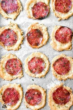 No Crust Pizza Bites - Sometimes, a girl's just gotta have her pizza, and these no crust pizza bites answer all my low carb pizza cravings! : thelittlepine carb snacks, No Crust Pizza Bites Low Carb Recipes, Diet Recipes, Cooking Recipes, Healthy Recipes, Pizza Recipes, Smoothie Recipes, Recipies, Cooking Games, Juice Recipes