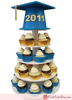 Graduation Cap Cupcake Stand ---with nicer cup cakes