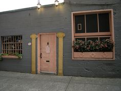 The Pink Door Pike Place Market, Post Alley awesome outdoor patio, amazing food, happy hour and late night Burlesque show. For Burlesque get there early to wait in line. No reservations. One of my favorite places. Places To Eat, The Places Youll Go, Places To Travel, Places Ive Been, Seattle Washington, Washington State, Seattle Restaurants, Seattle Area, Seattle Food