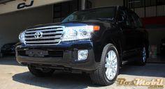 Toyota Land Cruiser UK Version : Menikmati Gagahnya SUV Premium