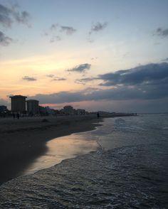 #goodtime #sunset #goodday #sea #beach #sunsetbeach #city #tbt #throwbackthursday #trip #triptoitaly #italy #rimini #riminibeach by _martyna_brzozowska_