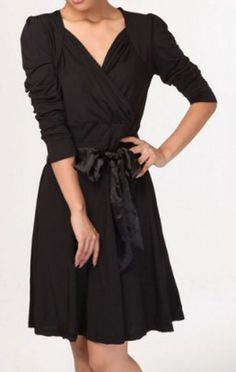 Love the touch that the bow adds. Black V Neck Bow Front Pleated Half Sleeve Dress