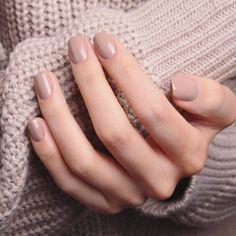 Installation of acrylic or gel nails - My Nails Classy Nails, Stylish Nails, Simple Nails, Trendy Nails, Nails Polish, Nude Nails, My Nails, Acrylic Nails, Perfect Nails