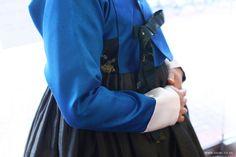 오리미한복 :: 가을의 혼사를 위한 파랑 저고리와 진풀색 치마_오리미 시어머니 혼주한복