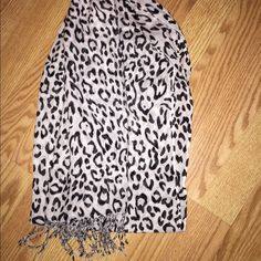 Leopard scarf Black and white leopard scarf. Never used. Accessories Scarves & Wraps