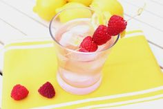 Looking for some healthy cocktails for your Memorial day barbecues? @sparklingice  #healthydrinks #summerparty