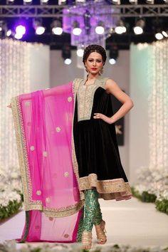 pakistani couture velvet not Indian Pakistani Couture, Pakistani Bridal, Pakistani Outfits, Indian Outfits, Bridal Lehenga, Indian Bridal, Shadi Dresses, Indian Dresses, Women's Dresses