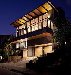 Mid-Century Modern Remodel par Klopf Architecture - San Francisco, Californiz, USA. Restauration complète d'une maison des année 50 en résidence contemporaine