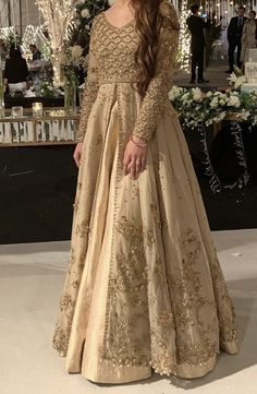 2020 Best Beautiful Lace Burnt Orange Bridesmaid Dresses Source by fashion pakistani Pakistani Fancy Dresses, Pakistani Fashion Party Wear, Pakistani Bridal Wear, Wedding Dresses For Girls, Pakistani Wedding Dresses, Pakistani Dress Design, Party Wear Dresses, Dress Outfits, Shadi Dresses
