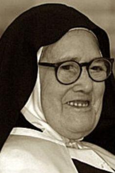 Sr Lucia of Fatima