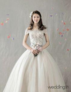 [웨딩드레스] 꽃처럼 아름다운 나의 신부, 상아꾸띄르 - 웨프뉴스flowers dreams designed by Sangacouture