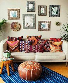 Romantic Bohemian Living Room - Awesome 60 Romantic Bohemian Style Living Room Design Ideas homeastern com. Bohemian Living Rooms, Living Room Decor, Bohemian Room, Bohemian Apartment, Bohemian Bedrooms, Bedroom Decor, Bohemian Pillows, Bohemian Studio, Boho Cushions