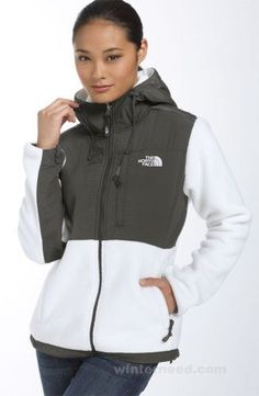 The Women's North Face TNF Hoodie White Best Sell The Women's North Face  TNF Hoodie